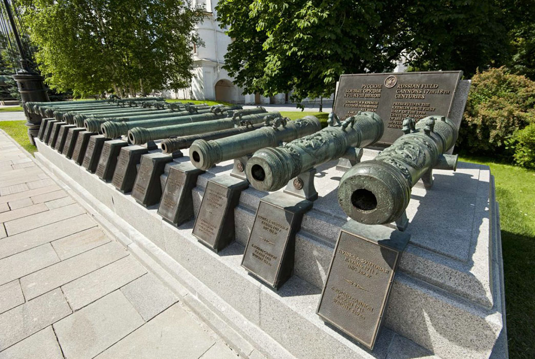 Russian cannon barrels of the XVIIth — early XVIIIth century
